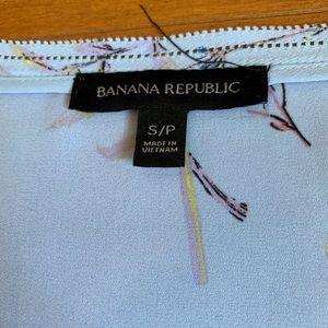 Banana Republic Tops - Banana Republic silky shirt